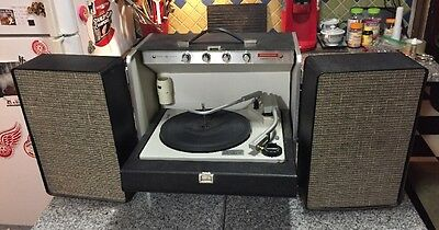 Vintage General Electric GE Solid State Record Player TRIMLINE Stereo 400