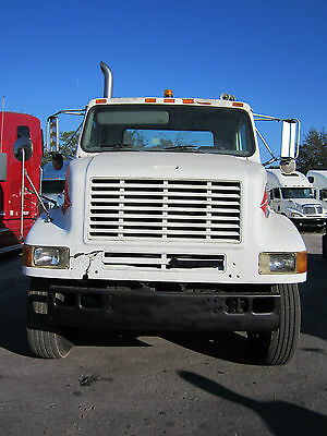 1996 INTERNATIONAL 8100 S/A CONVENTIONAL DAY CAB, 5th WHEEL, 9 SPEED