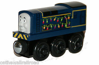 HOLIDAY LIGHTS SIDNEY Thomas Tank Engine Wooden Railway NEW Christmas Festive