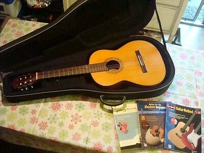 BLUERIDGE BR-C Classical Acoustic Guitar with Padded Gig Case & Books EXCELLENT