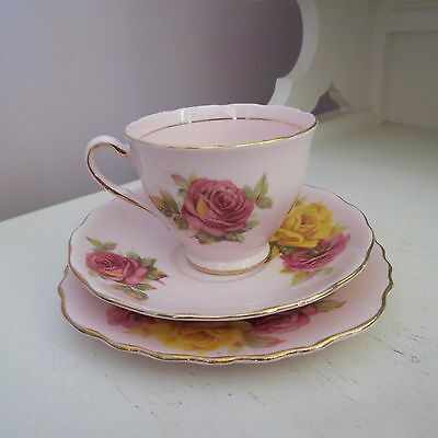 Pretty Colclough trio pale pink with pink & yellow roses