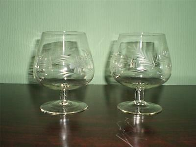 2 X BEAUTIFUL Etched Pattern CRYSTAL GLASS Brandy GLASS/GLASSES