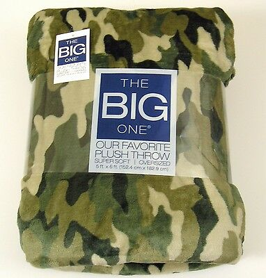 The Big One Throw Blanket Green Camouflage Camo Oversized Super Soft 5' x 6' NWT