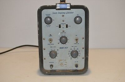 JERROLD SWEEP FREQUENCY GENERATOR 601 SERIAL 4154 115/230 VOLTS 50/60 Hz, U.S.A.