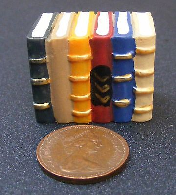 1;12 Scale Dolls House Block Of Six Resin Books Stationery Library Study HW