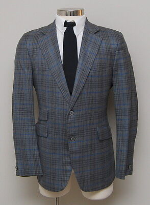 Vintage 1960s Mens 40R Eagles Clothes Grey and Blue Plaid Wool Blazer
