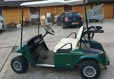 EZGO GOLF BUGGY, electric, a perfect Christmas present