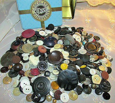 Vtg Sewing Buttons Mixed Lot Old Shell Metal Plastic Paris Dove Tin for Crafts ?
