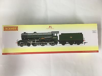 Hornby R3003X, BR 4-6-0 'Barnsley' B17/6 Class - Late BR DCC Fitted