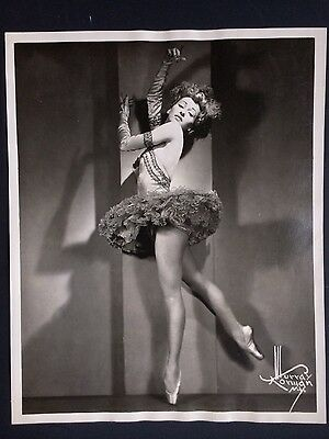 Alluring Patricia Bowman ballerina ballet photo 1946 Murray Korman NY Photograph