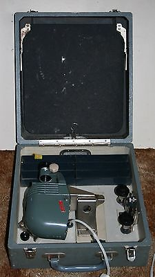 Opticon San Kit M-1 Slide Projector & Screen Housed In A Carry Case