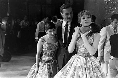 Miyoshi Umeki, George Montgomery, and Shirley Maclaine   8X10 PHOTO 4