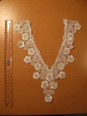 One V Neckline Neck Collar Flowers Off White Lace Trim (L4)