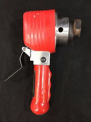 """Central Pneumatic Professional 6"""" Dual Action Air Sander - Model 90288"""