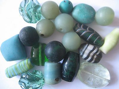 Loose beads. 19 Vintage glass green beads. 12mm - 30mm