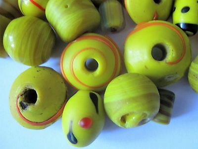 Loose beads. 40 Vintage glass yellow beads. 8mm - 35mm