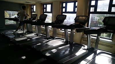 Life Fitness 95T Engage Treadmill. Refurbished.  Worldwide shipping