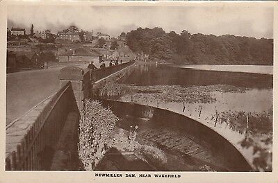 Newmiller Dam near Wakefield, West Yorks, Real photo, old postcard, unposted