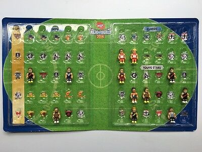 AFL Micro figures 2016 Binder (with 11 figures included)