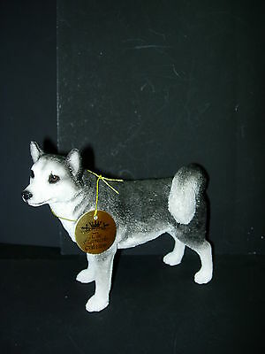 Husky dog Leonardo model figure new boxed