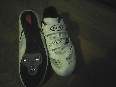 chaussure NORTHWAWE VTT OU CYCLO  pour pedale automatique femme taille 41