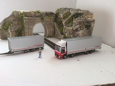 N GAUGE CONTAINER LORRY TRUCK WITH TRAILER No10