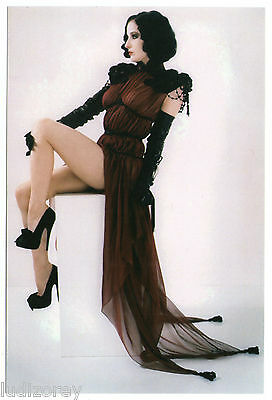 Cp 66 Dita Von Teese Pin-Up Miss Sexy Elegance Luxe Charme Robe Glamour Jet-Set