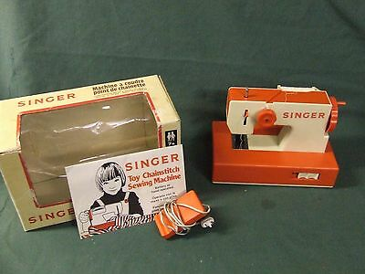 Toy Singer Sewing Machine Chainstitch