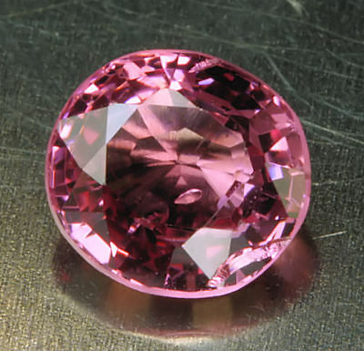 SPINELL / SPINEL      klasse  Farbe     0,93 ct