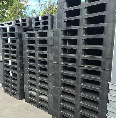1200x1000 HEAVY DUTY PLASTIC PALLETS (FULL PERIMETER)- SET OF 10 -GOOD CONDITION