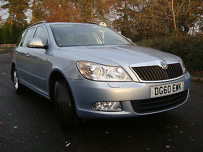 Skoda Octavia TDI 1.9L Estate 4x4- 2010 vgc 6 speed manual Blue FSH