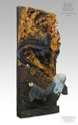 Sideshow Weta Lord Of The Rings You Shall Not Pass Balrog And Gandalf Wall Plaqu