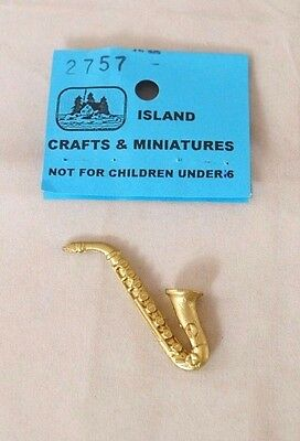 Saxophone Musical Instrument  - 1/12 scale dollhouse metal miniature ISL2757