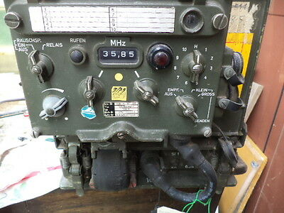 Akt Ricevitore Militare Sam 25 + Mounting Army Surplus Radio Receiver Set