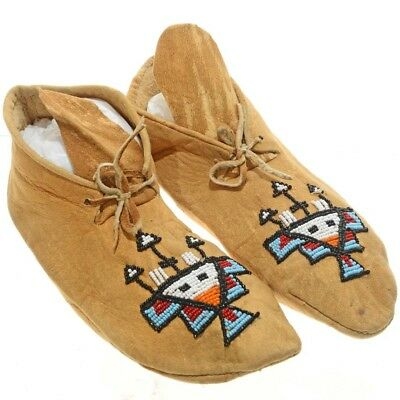 "Vintage 9.5"" Sioux Indian Beaded Moccasins 20th Century Sinew Hand Sewn"
