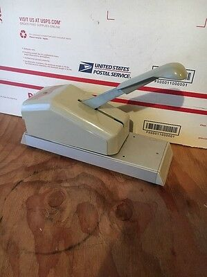 Addressograph 871-701-001 Hand Pump Credit Card Imprinter