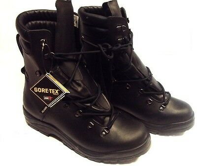 BRITISH ARMY - EXTREME COLD WEATHER BLACK GORETEX BOOTS - SIZE 14 M - kwb963