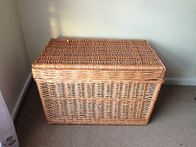 The original wicker trunk, large chest storage - 60 cm