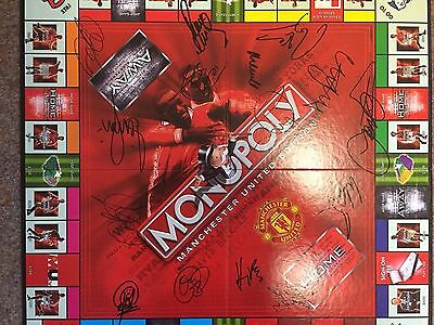 99/00 TREBLE  Manchester United 15 Genuine AUTOGRAPH Monopoly Set