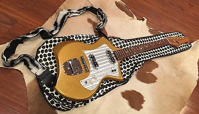1967 Kingston Swinger Electric Guitar Rare Gold With Vintage Gig Bag