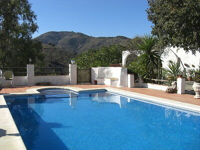 Easter Holiday farmhouse great pool views and 1 hour from Malaga sleeps 10/12