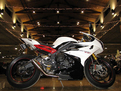 Triumph Daytona 675 R Daytona 675 R 2015 Triumph Daytona 675 R Pearl White After Market Exhaust 1,737 Miles