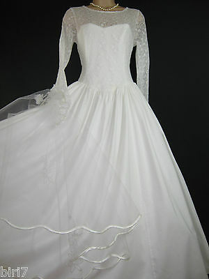 Laura Ashley Vintage White Fairytale Lace Beauty Wedding / Bridal Gown, 14/16