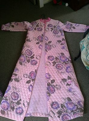 Vintage NYLON GIVONI quilted night  dressing  gown sleepware cover ladies robe