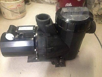 Wilco FBS20 EM 230v 1700w Pool Pump with filter 20m3/h