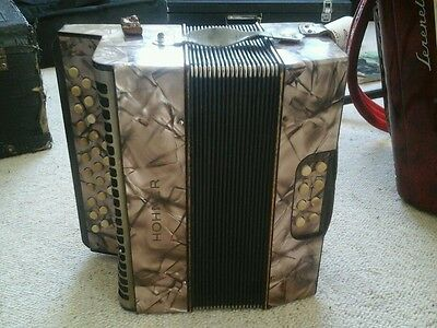 Hohner Liliput melodeon. Good condition modern Pitch. Bflat declubed treble side