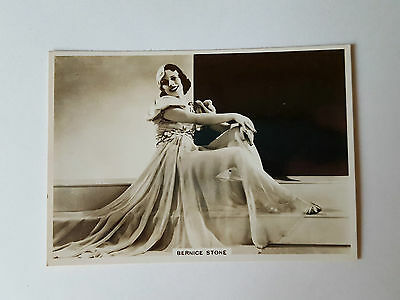 MODERN BEAUTIES 4th SERIES - #11 BERNICE STONE - 1937 - B.A.T. Cigarette Card