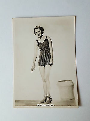 MODERN BEAUTIES 4th SERIES - #9 BETTY FURNESS - 1937 - B.A.T. Cigarette Card