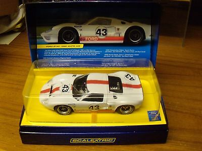 Scalextric Ford GT40 Mk1 1966 White #43 C2941A New.