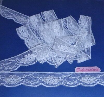3  metres  of   Pretty  White  Stretch Lace  Trim        30 mm  wide